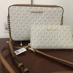 New Michael Kors vanilla Crossbody bag & wallet